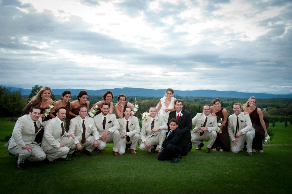 wedding party at apple greens golf course